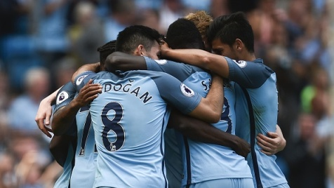 Premier League: City solitario in testa