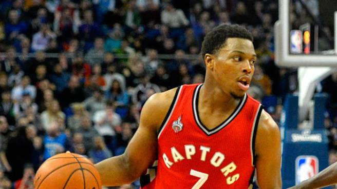 A Toronto va in scena l'All Srar Game 2016 dell'NBA. EASTERN CONFERENCE: Lowry, Wade, George, James, Anthony. Coach: Lue (Cavs) - WESTERN CONFERENCE: Curry, Westbrook, Bryant, Durant, Leonard.